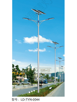 江蘇太陽能雙臂路燈價格
