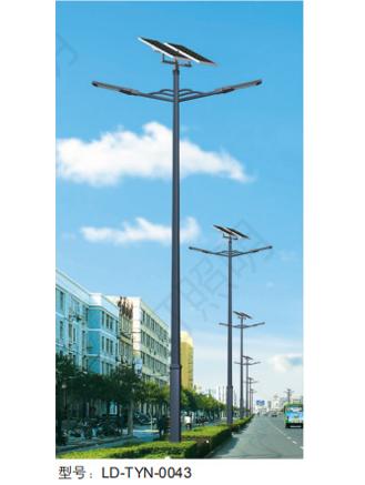 江蘇太陽能雙臂路燈報價